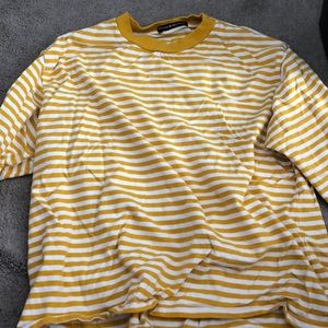 Long sleeve white and yellow brandy melville tee